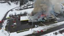 Link öffnet eine Lightbox. Video Drohnenbilder des Brands (von SRF Augenzeuge Andy Meisser) abspielen