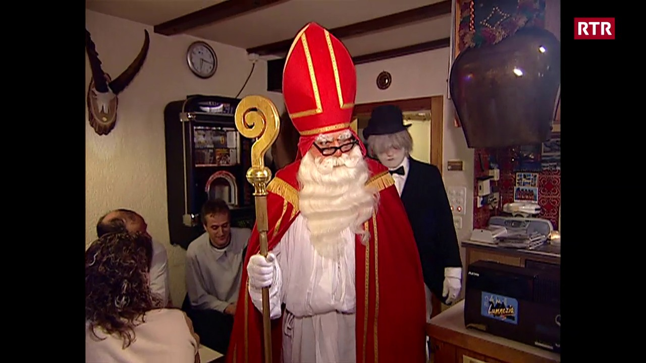 Il Sontgaclau sin visita en ina ustaria a Lumbrein