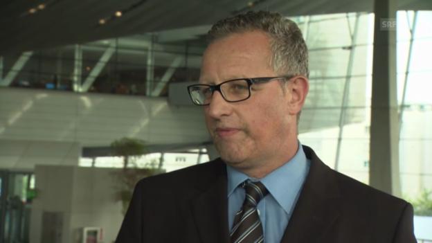 Video «Werner Huber zu den Aufgaben der Zukunfts-Autos» abspielen