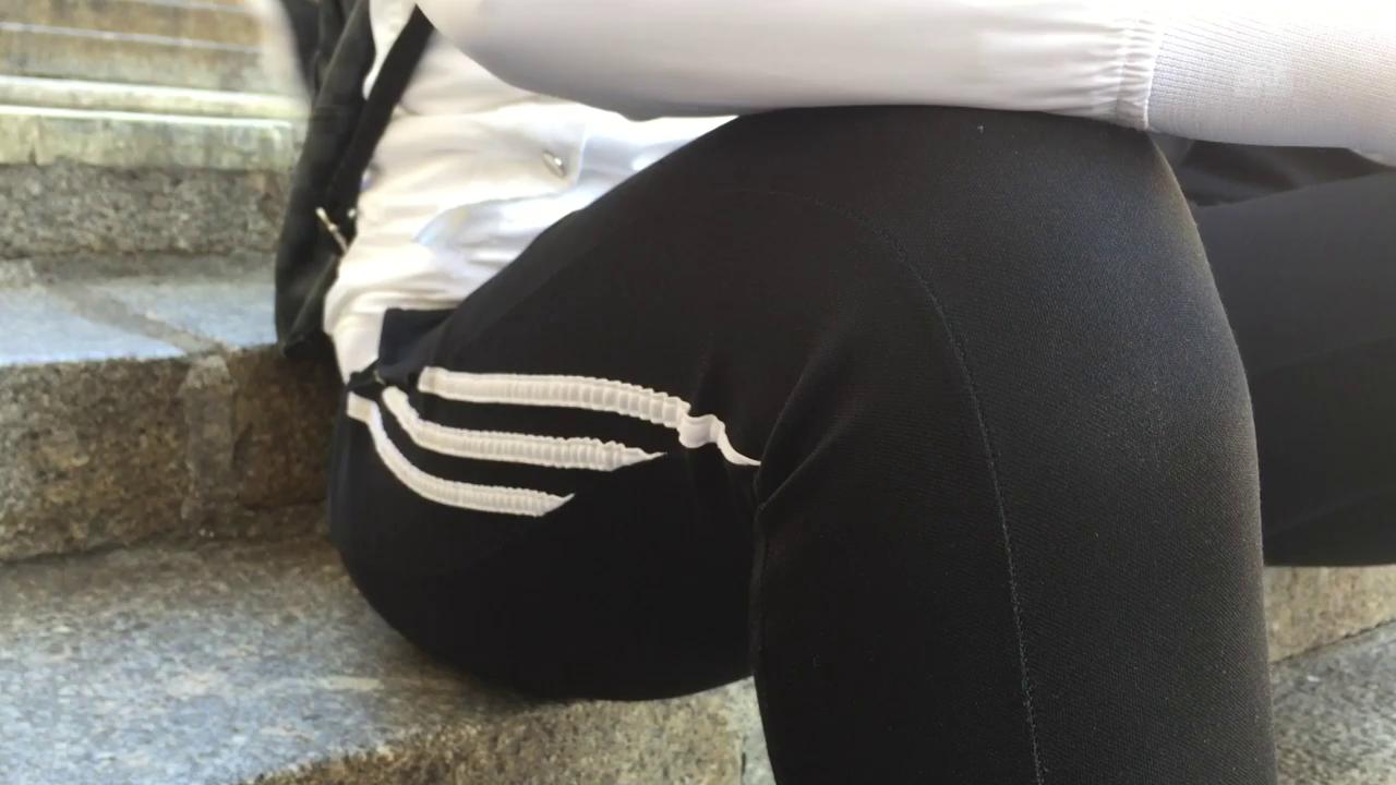 Diskussion über Trainerhosen an Basler Schule