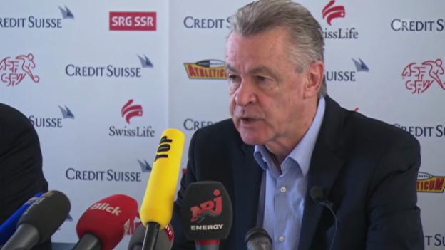 Video «Fussball: Hitzfelds Rücktritts-Entschluss» abspielen