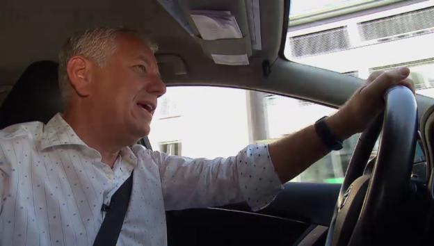 Video «Röbi Kollers Taxitraum» abspielen