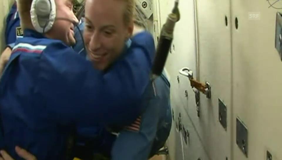 ISS: Ankunft der neuen Crewmitglieder (Originalkommentar)