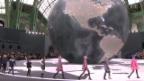 Video «Elegante Mode in Paris» abspielen