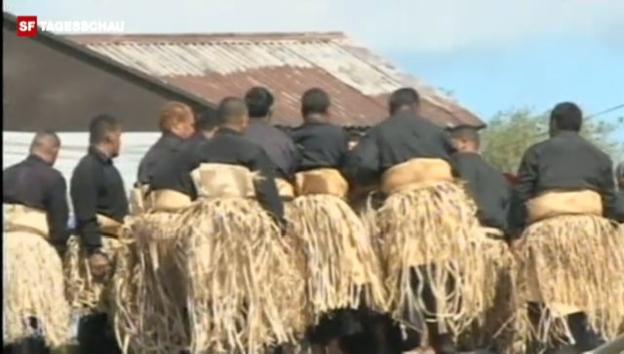 Video «Beisetzung von König Tupou V. von Tonga» abspielen