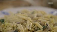Link öffnet eine Lightbox. Video Clever kochen mit Jamie Oliver – Mexikanisches Chili und die eigene Gewürzmischung abspielen.