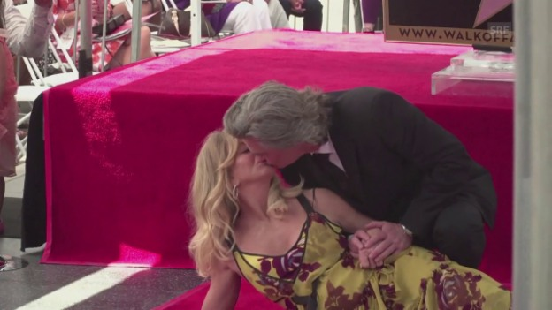 Video «Kurt Russel's Liebeserklärung an Goldie Hawn (engl.)» abspielen