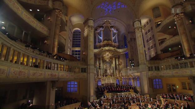 Video «Weihnachtliche Festmusik aus Dresden» abspielen