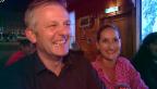 Video «Rainer Maria Salzgeber serviert Speisen» abspielen