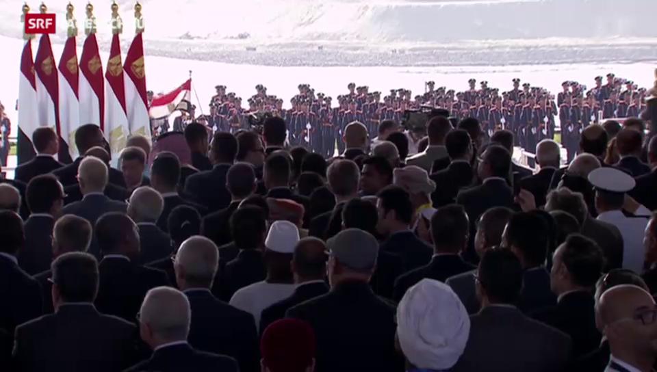 Pompöse Eröffnung des Suez-Kanals