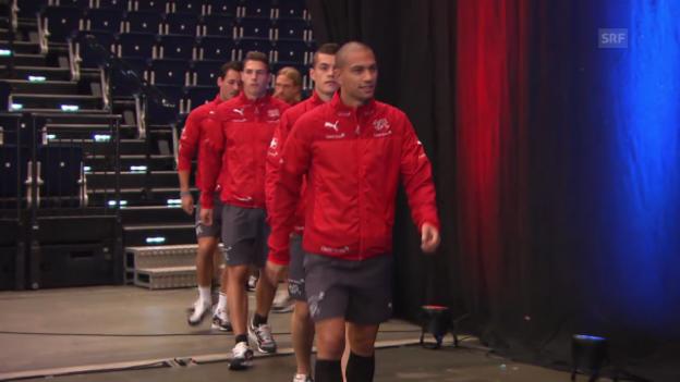Video «FIFA WM 2014: Rückkehr der Schweizer Nati» abspielen