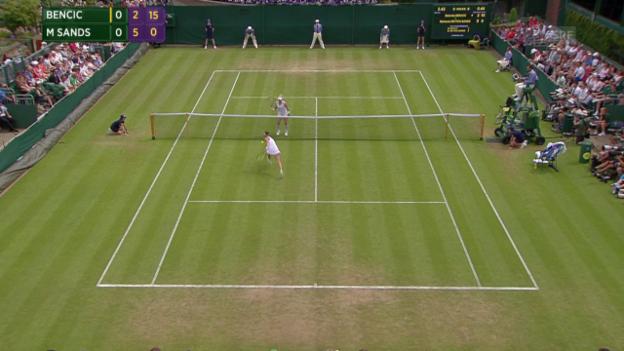 Video «Tennis: Wimbledon, 3. Runde, Schöner Ballwechsel bei Bencic - Mattek-Sands» abspielen
