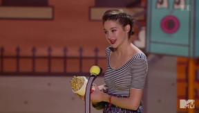 Video «Abräumerin: Shailene Woodley holt drei «MTV Movie Awards»» abspielen