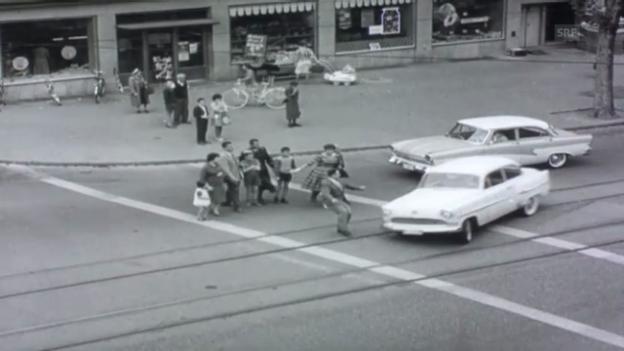 Video «bfu 1961: Fussgänger» abspielen