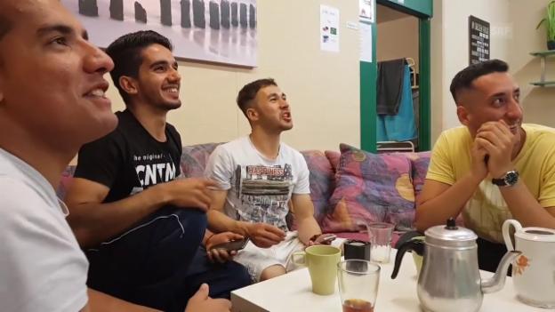 Video «Lustiger Teeabend» abspielen