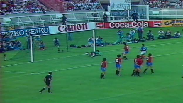 Video «Fussball: EM 1984, Freistoss-Tor Platini» abspielen