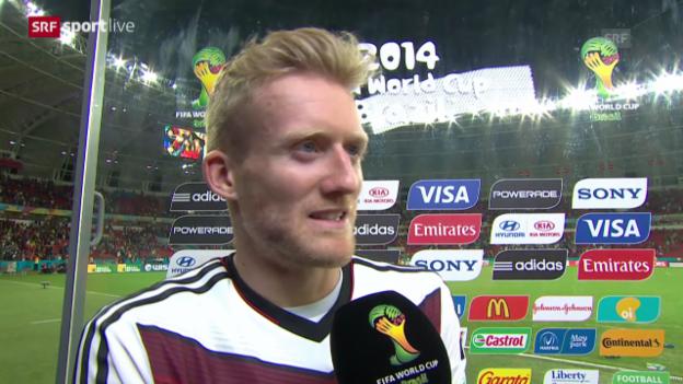 Video «FIFA WM 2014: Deutschland - Algerien, Interview mit André Schürrle» abspielen