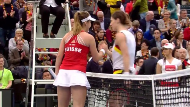 Video «Unentschieden zwischen der Schweiz und Deutschland nach dem 1. Fed-Cup-Tag» abspielen