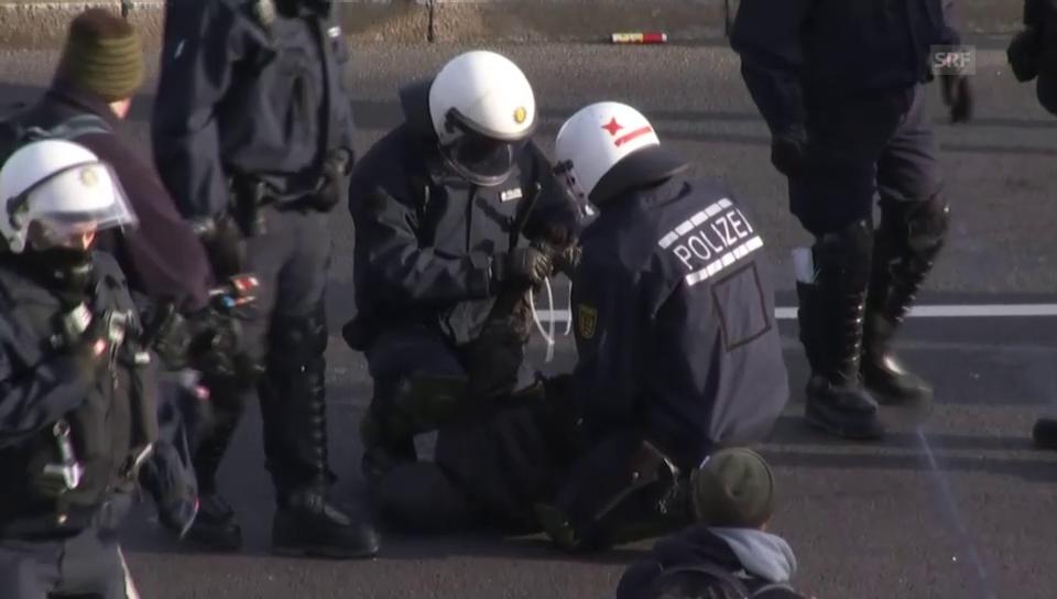 Proteste gegen AfD in Stuttgart