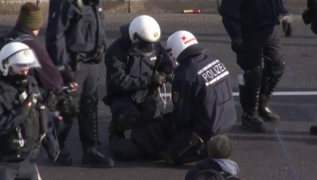Video «Proteste gegen AfD in Stuttgart» abspielen