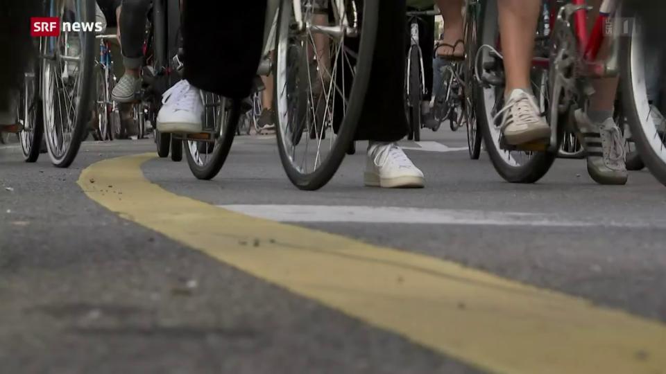 «10 vor 10»: blera glieud a la demonstraziun «Critical Mass»