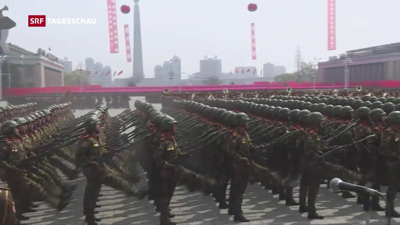 Die Soldaten Nordkoreas im Stechschritt
