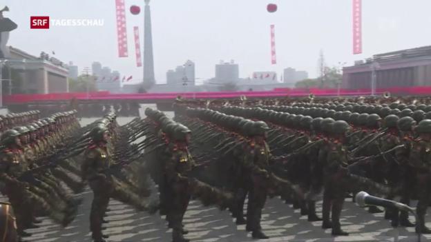 Video «Die Soldaten Nordkoreas im Stechschritt» abspielen