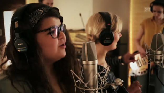 Video «Rosanna feat. Tiziana Gulino «Crown of mine»» abspielen