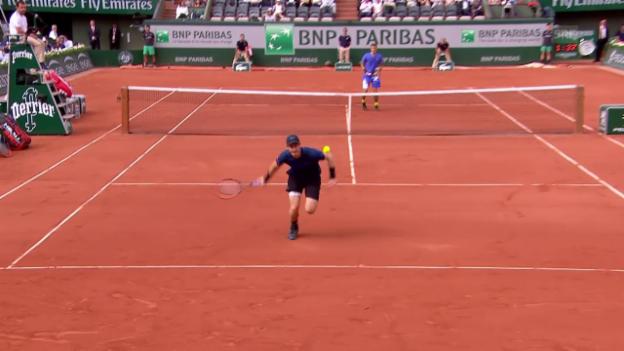 Video «Murray gräbt unmöglichen Ball aus» abspielen