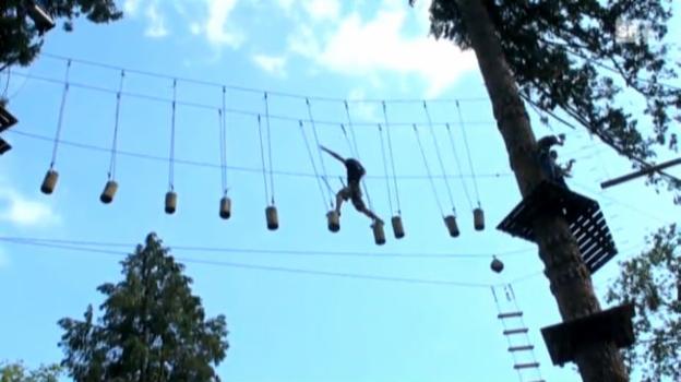 Video «Grosse Mängel bei Sicherheit in Seilparks» abspielen