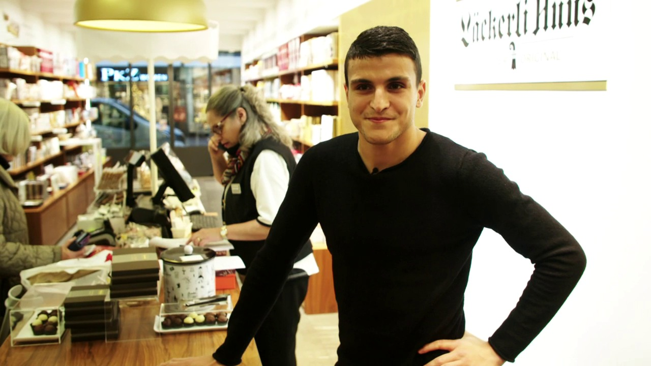 Mohamed Elyounoussi im «Läckerli-Huus»