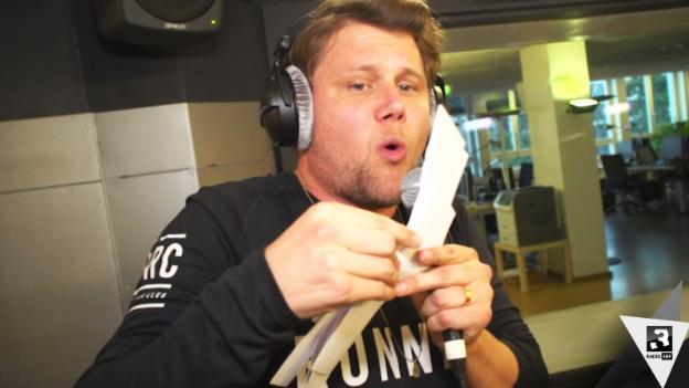 Video «SRF 3 punkt CH: Freestyle von Knackeboul» abspielen