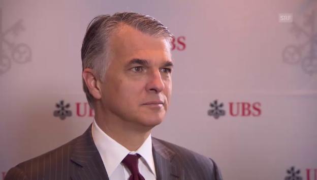 Video «CEO Sergio Ermotti zum Gewinneinbruch bei der UBS» abspielen