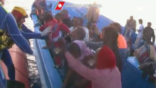 Video «Rettung afrikanischer Flüchtlinge (unkomm.)» abspielen