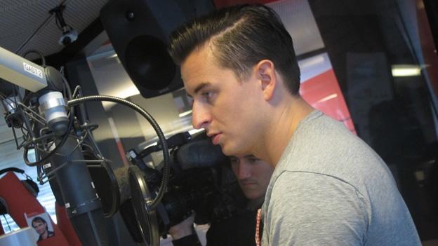 Andreas Gabalier begrüsst Regi Sager und das Radio SRF 1-Publikum