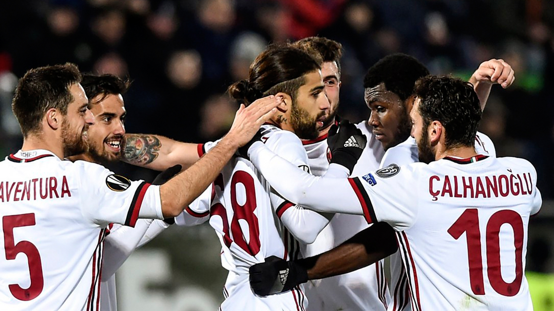 Dortmund schlägt Bergamo, Milan gewinnt gegen Rasgrad