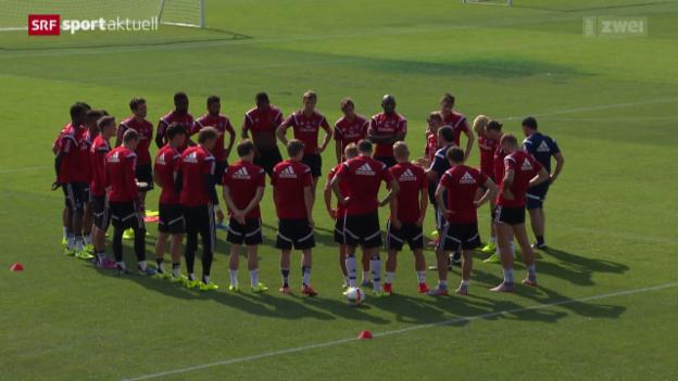 Video «Fussball: Zu Besuch im HSV-Trainingslager in Laax» abspielen