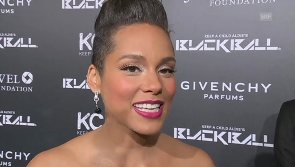 Alicia Keys hochschwanger am Black Ball