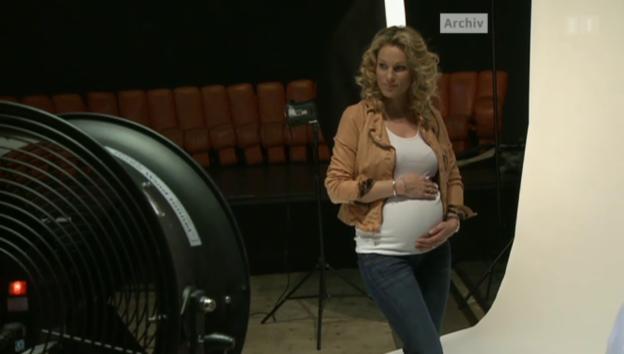 Video «Es ist ein Junge! Christina Surer zum zweiten Mal Mama» abspielen