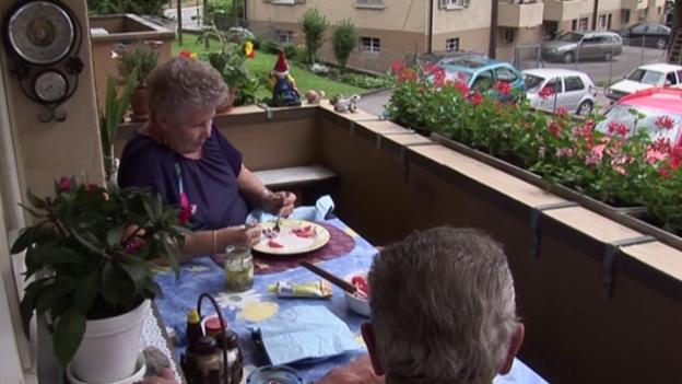 Video «Frau Rey und wie die Schweiz in ihren Augen sein sollte» abspielen