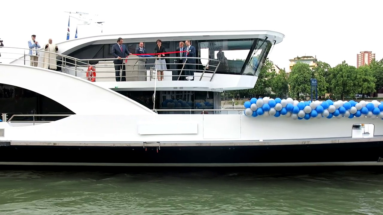 Taufe des neuen Rheinschiffs «Rhystärn»