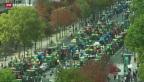 Video «Fast 2'000 Traktoren fahren in Paris auf» abspielen