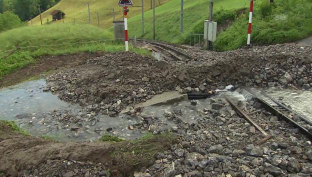 Video «Murgänge verschütten Bahnlinie über den Brünig» abspielen