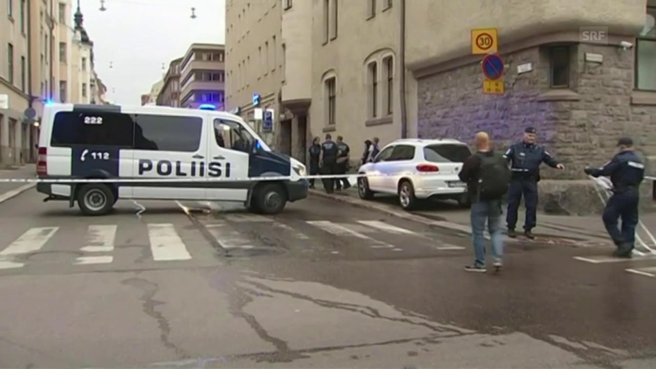 Auto rast in Menschenmenge in Helsinki
