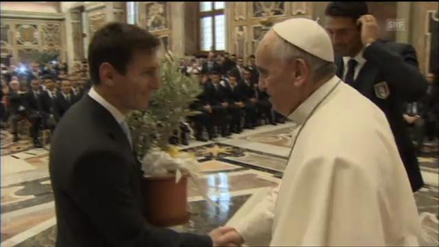 Die italienische und argentinische Fussball-Nationalmannschaft beim Papst (unkommentiert)