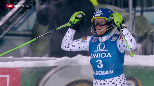 Video «Velez Zuzulova gewinnt den Nacht-Slalom von Flachau» abspielen