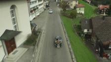 Video ««SRF bi de Lüt – Unser Dorf»: Drohnenflug über Schwellbrunn AR» abspielen