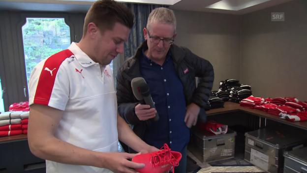 Video «Die Schuhe der Nati-Stars: Rudolf kennt sie alle» abspielen