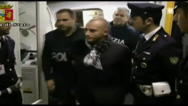 Video «Festnahme von Almir Gegic in Mailand (Polizeivideo ohne Ton)» abspielen
