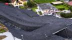 Video «Schlammlawine wälzt sich durch Walliser Dorf» abspielen